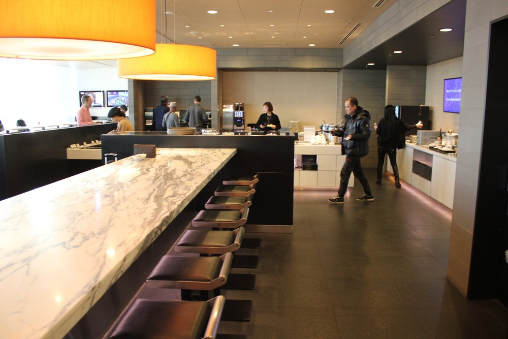 ANA Business Lounge Tokyo Haneda – Buffet area