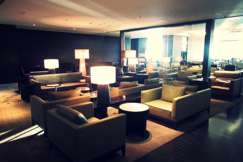 Japan-Airlines-First-Class-Lounge-Tokyo-Narita-8.jpg