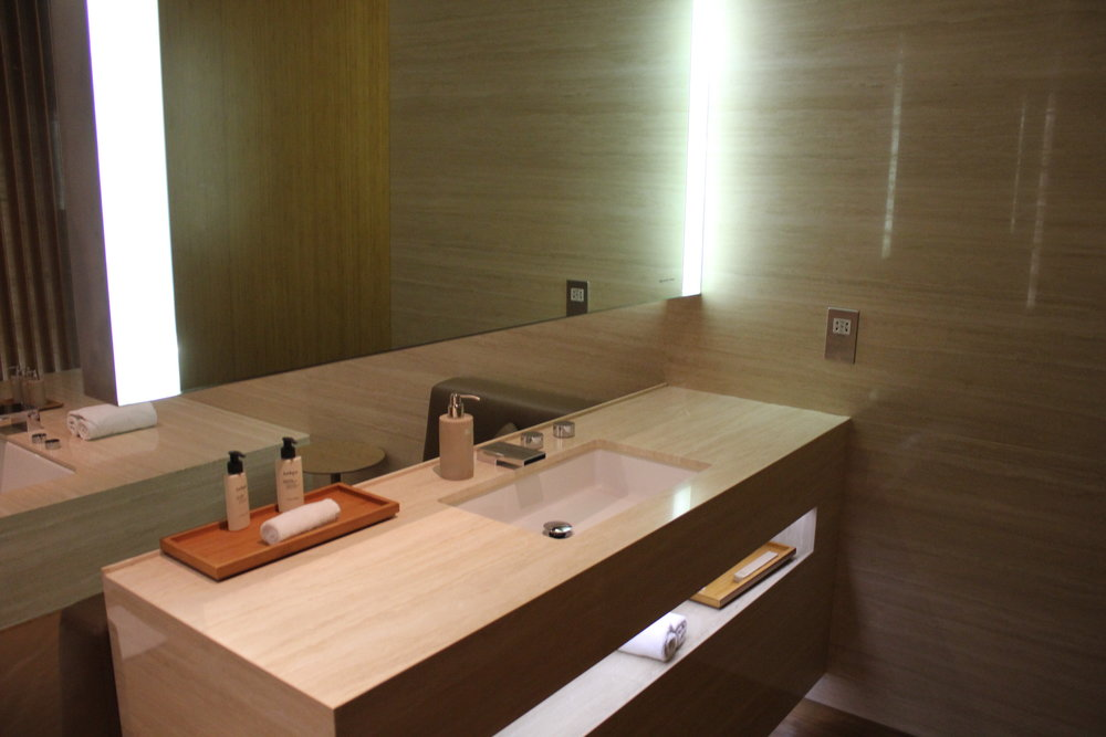 The Wing First Class Lounge by Cathay Pacific – Cabana sink and mirror