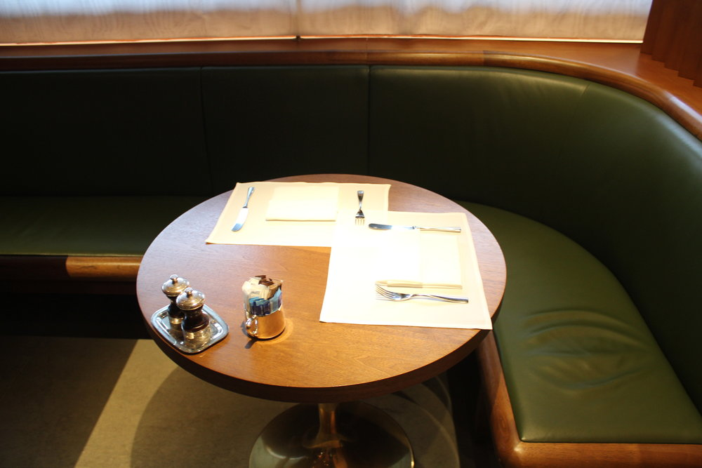 The Pier First Class Lounge by Cathay Pacific – The Dining Room seating