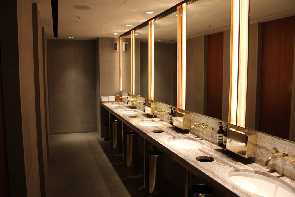 The Pier First Class Lounge by Cathay Pacific – Restroom