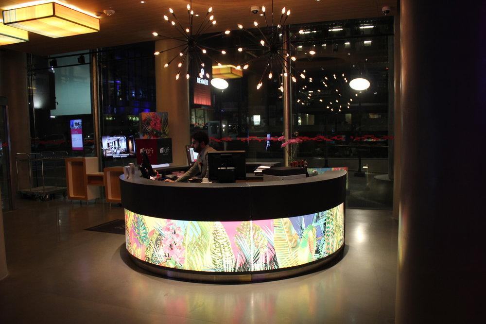 Aloft Montevideo – Check-in hub