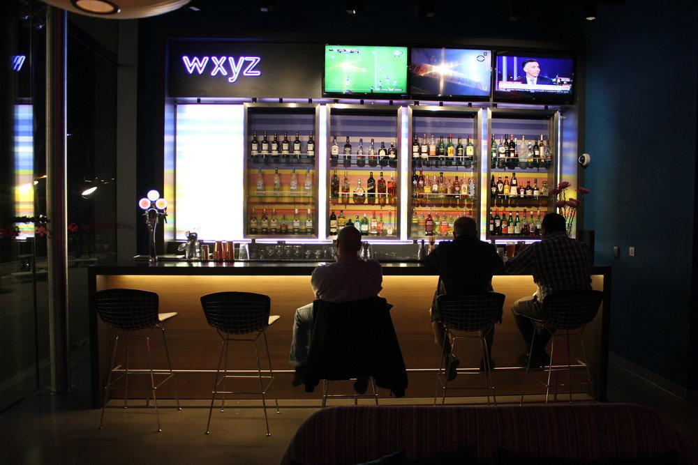 Aloft Montevideo – WXYZ bar