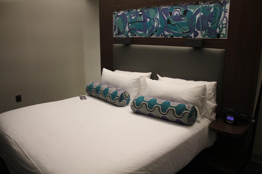Aloft Montevideo – King bed