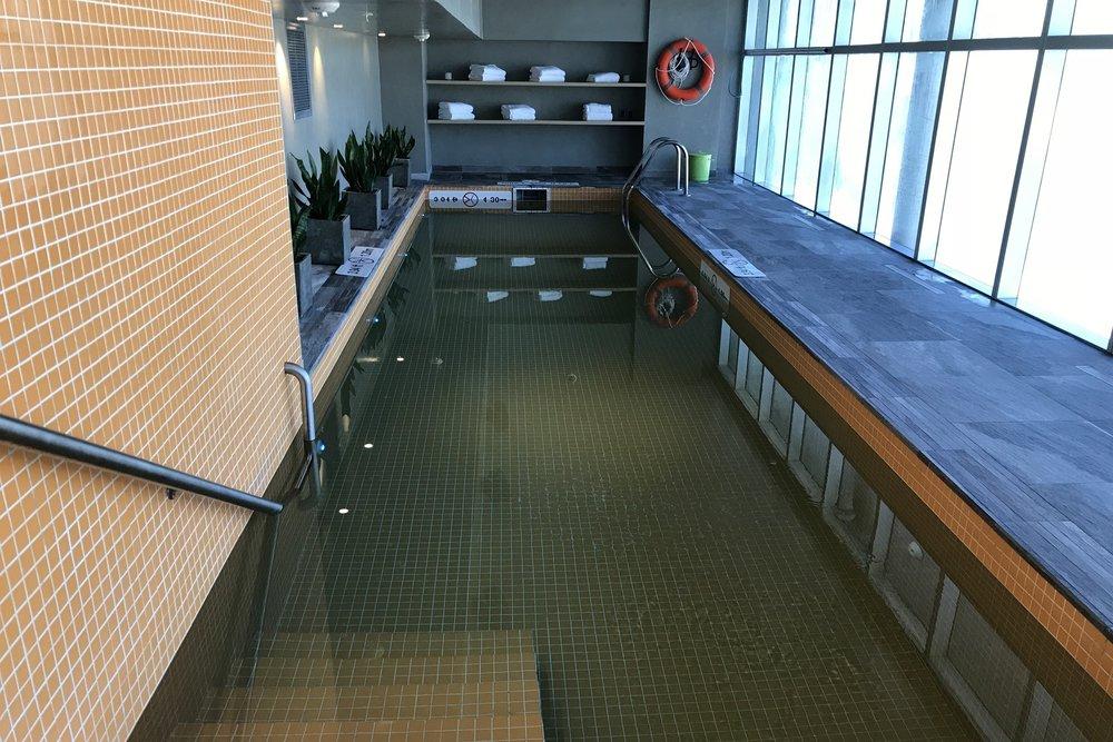 Aloft Montevideo – Pool