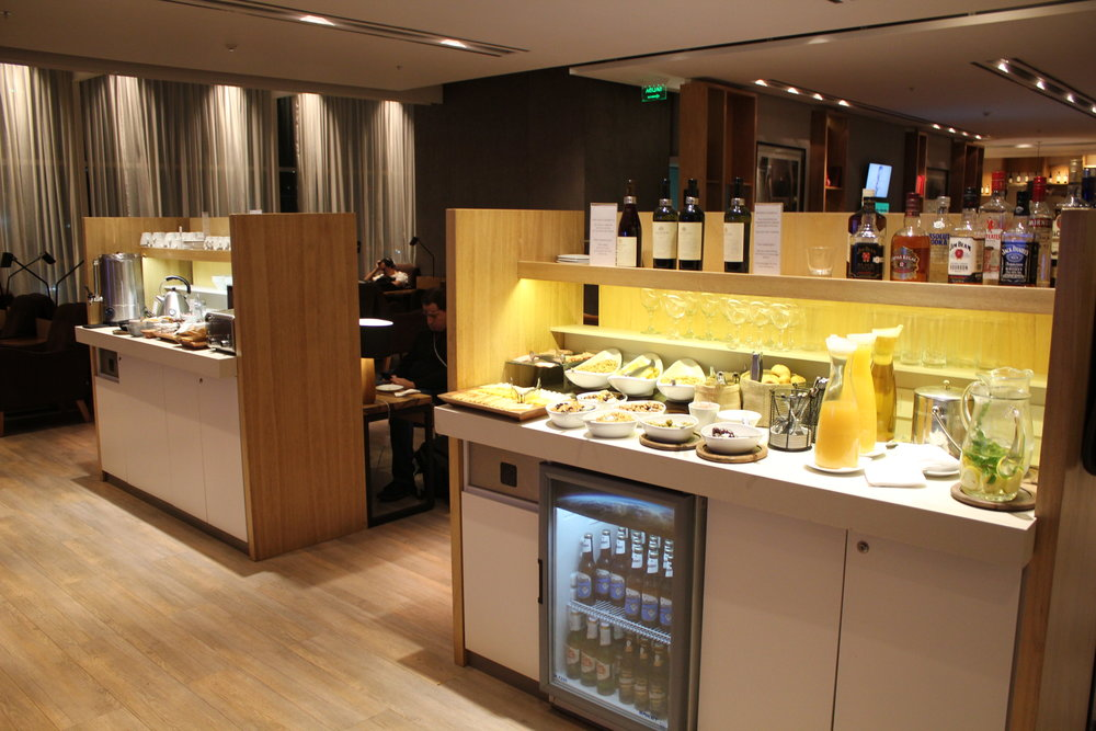 Star Alliance Lounge Buenos Aires – Self-serve stations