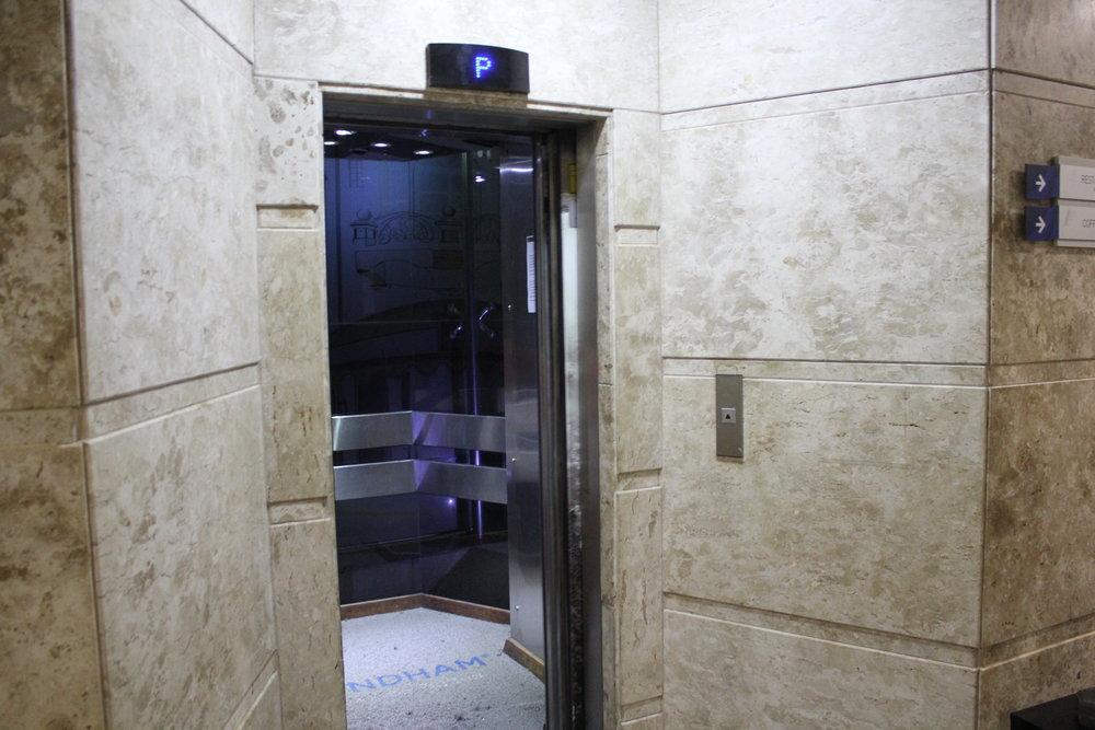 Wyndham Foz do Iguaçu – Scenic elevator