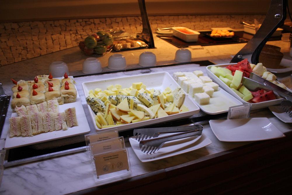 Star Alliance Lounge Rio de Janeiro – Snacks and fruits