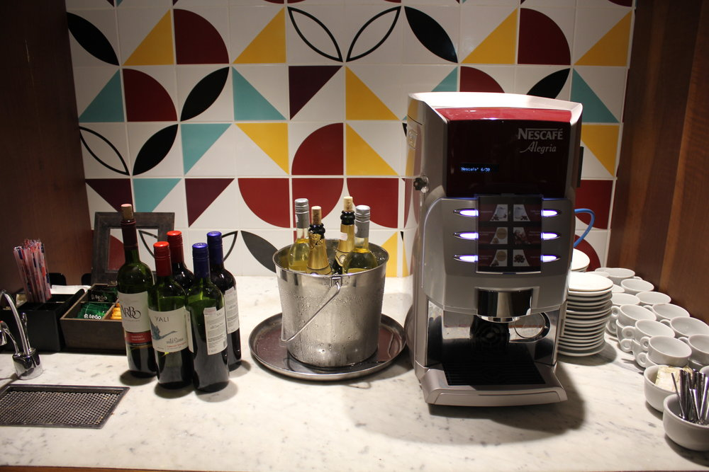Star Alliance Lounge Rio de Janeiro – Self-serve drinks