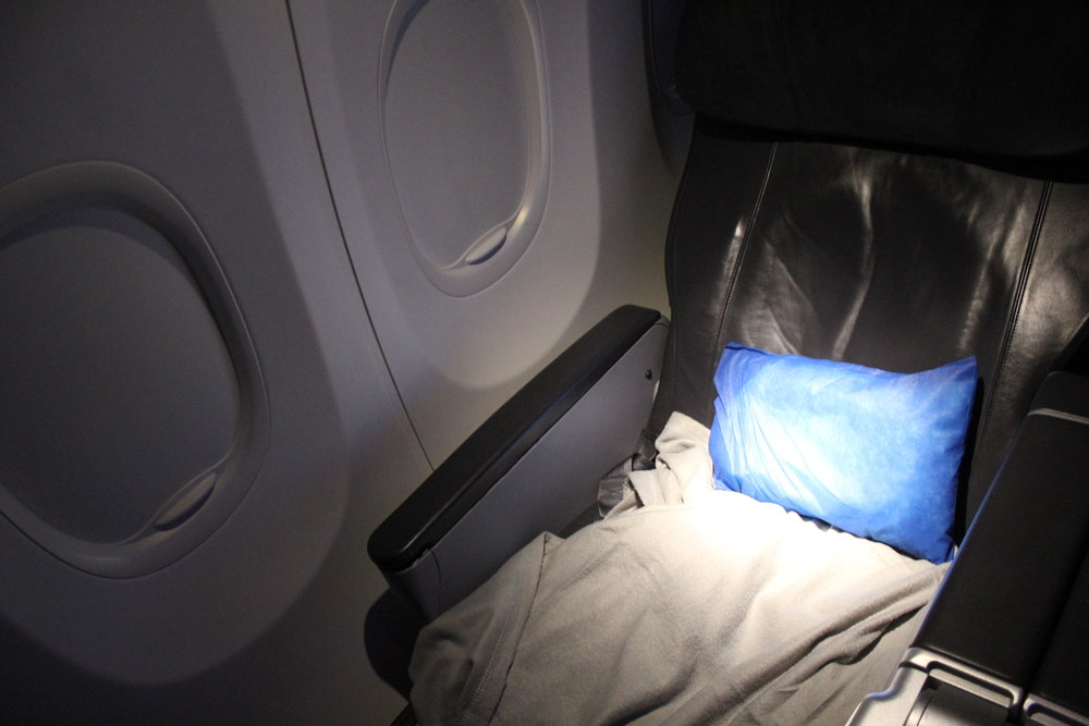 """Copa Airlines business class – Upper """"bed"""""""