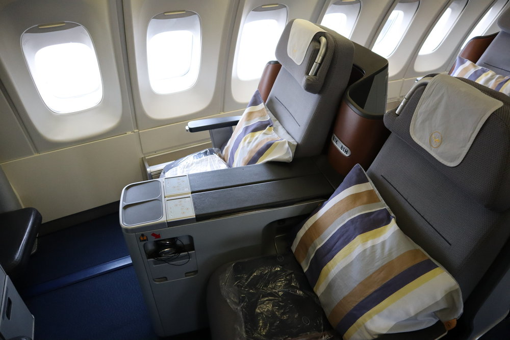 Lufthansa business class on the Boeing 747-400