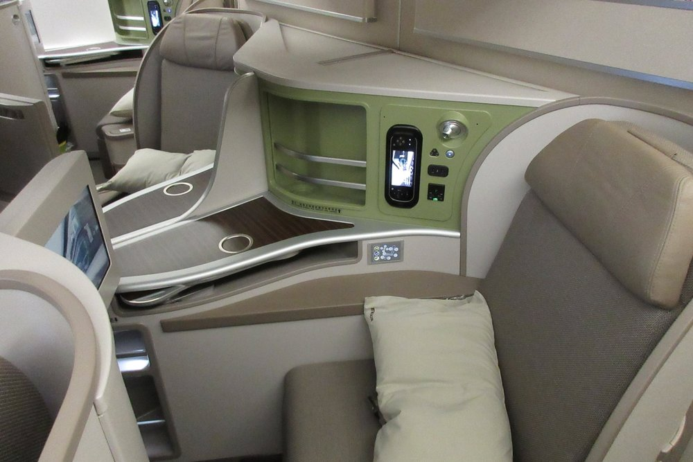 EVA Air business class on the Boeing 777