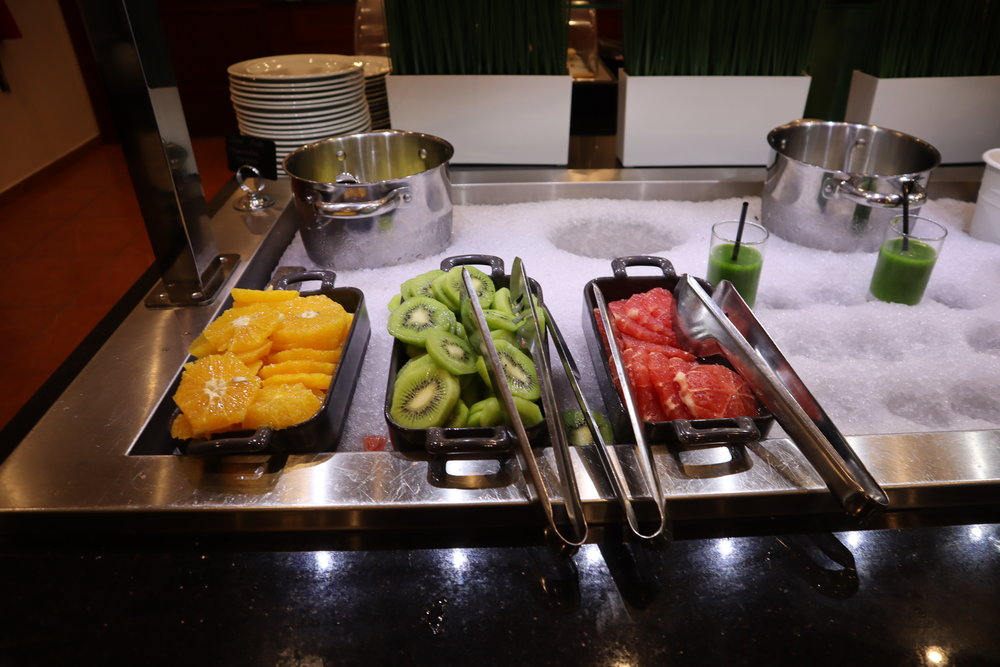 Marriott Moscow Tverskaya – Breakfast fruit spread