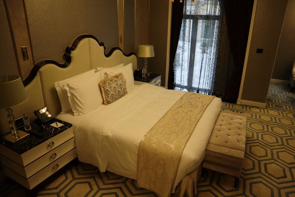St. Regis Moscow Nikolskaya – St. Regis Suite bedroom