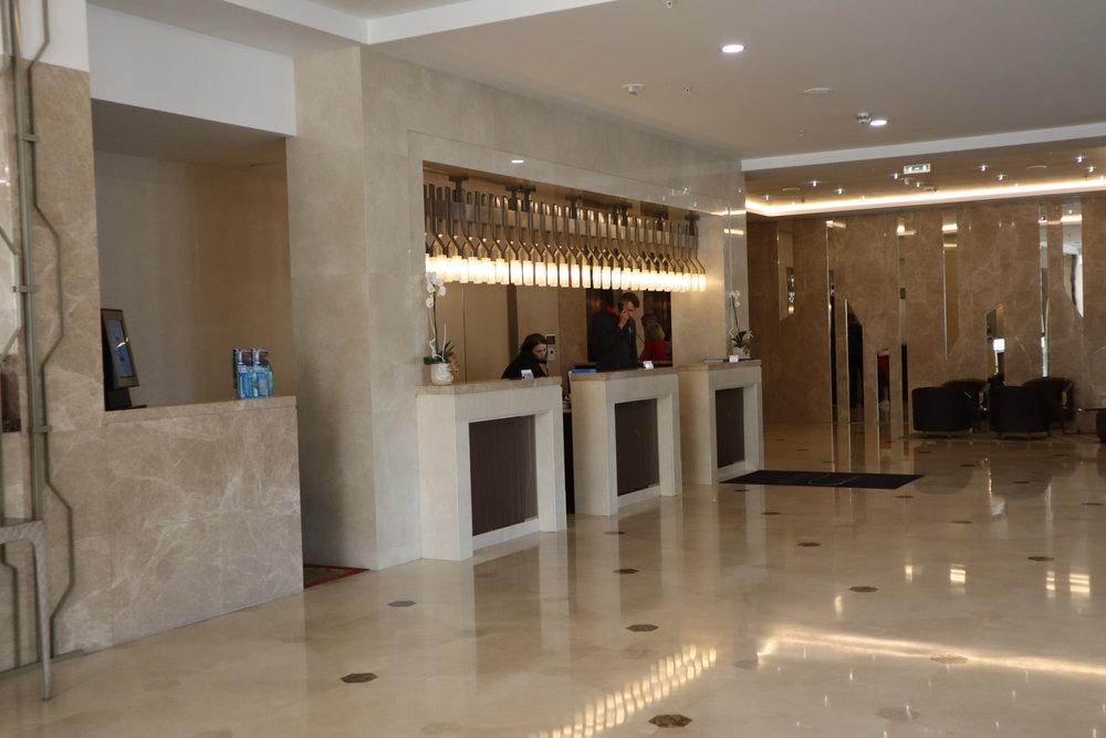 Marriott Novosibirsk – Reception desk