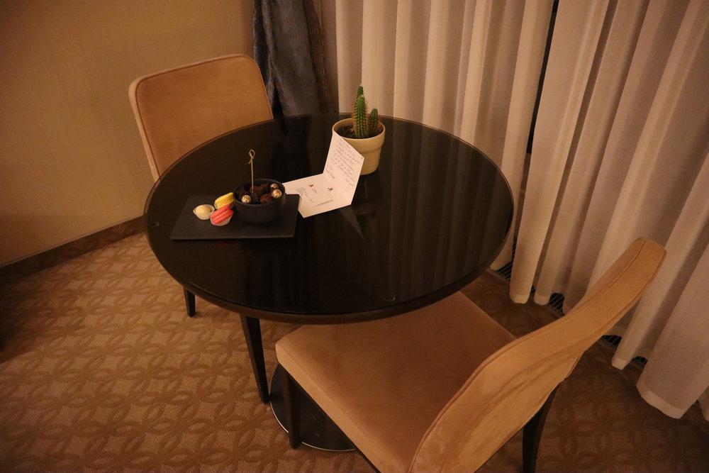 Marriott Novosibirsk – Junior suite dining table