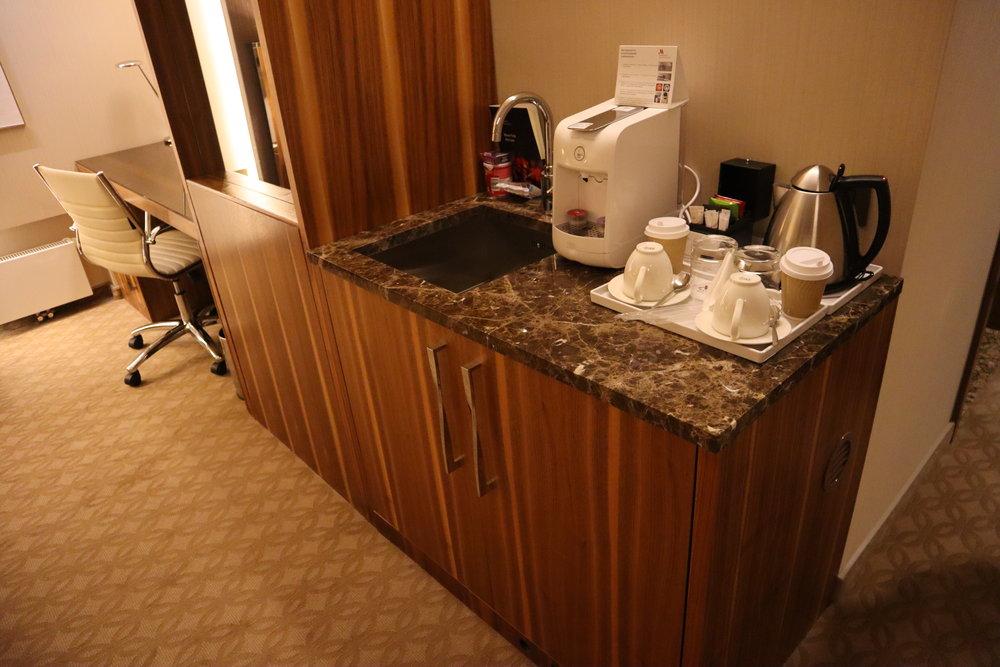 Marriott Novosibirsk – Junior suite pantry
