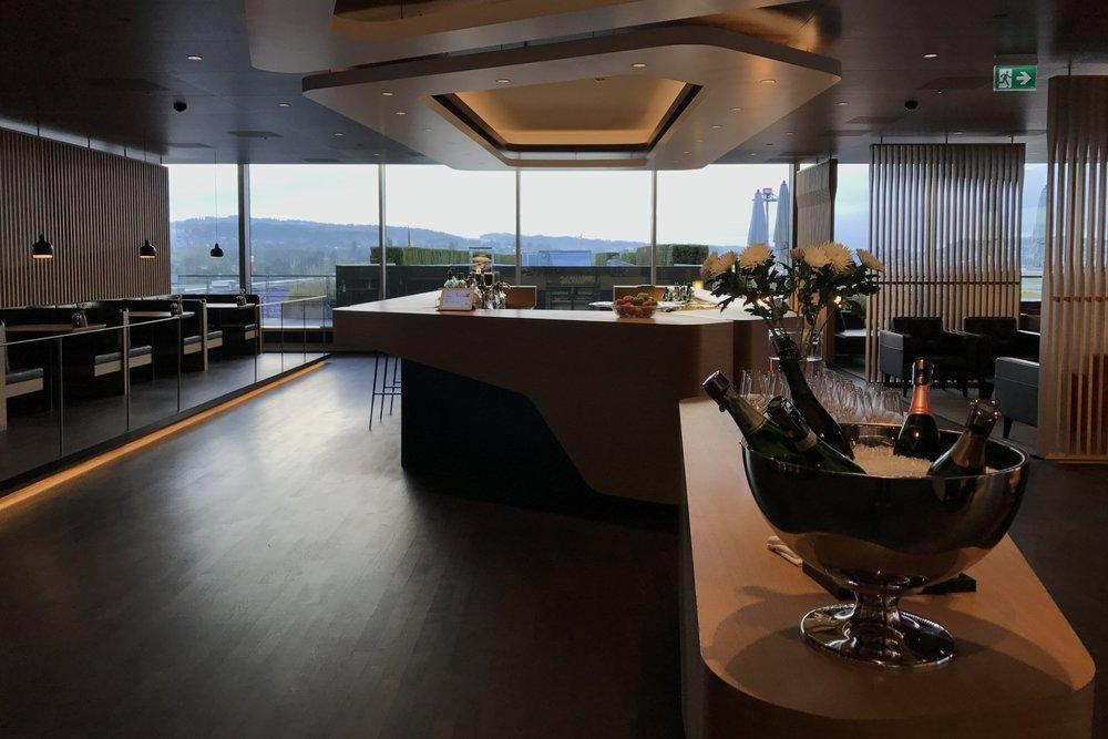 SwissFirst Class Lounge -