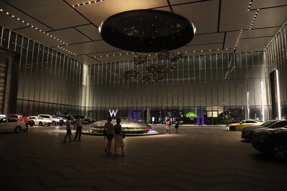 W Suzhou – Driveway and entrance
