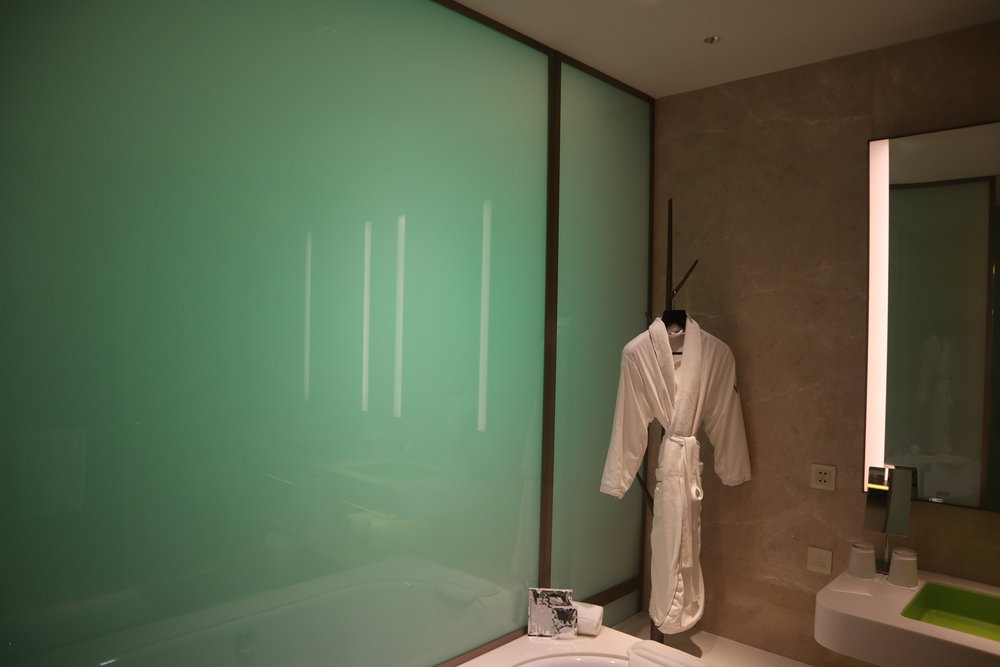 W Suzhou – Spectacular Room opaque frosted glass