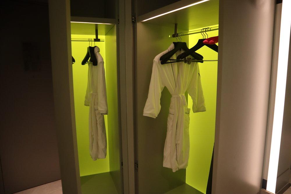 W Suzhou – Spectacular Room closet