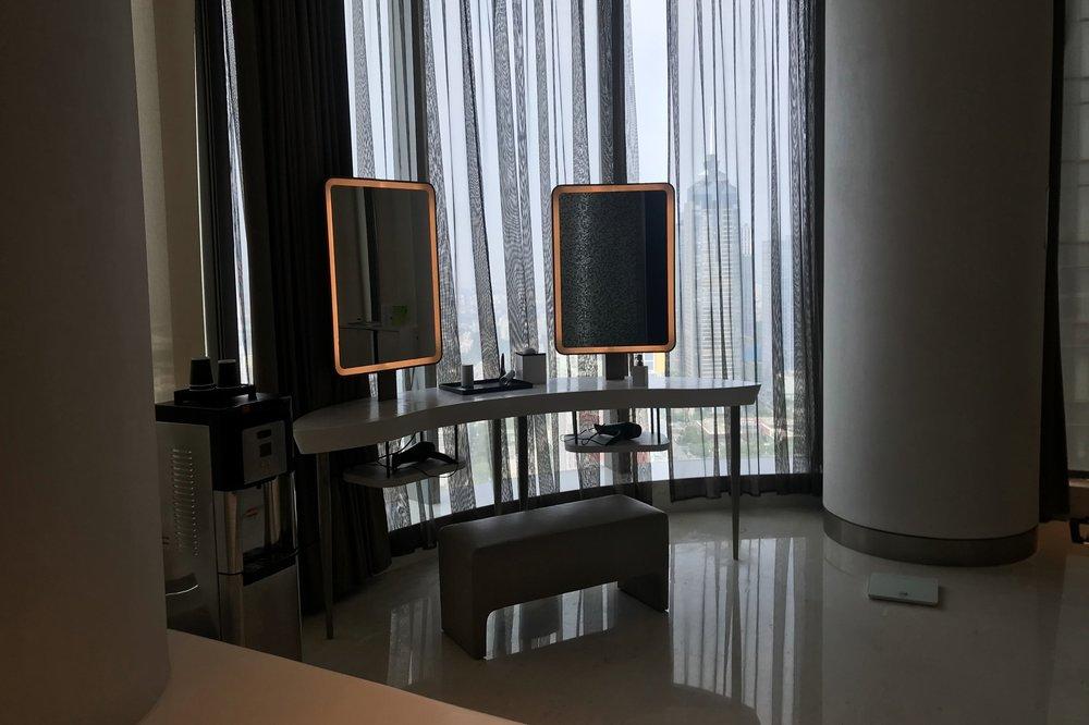 W Suzhou – Locker room vanity