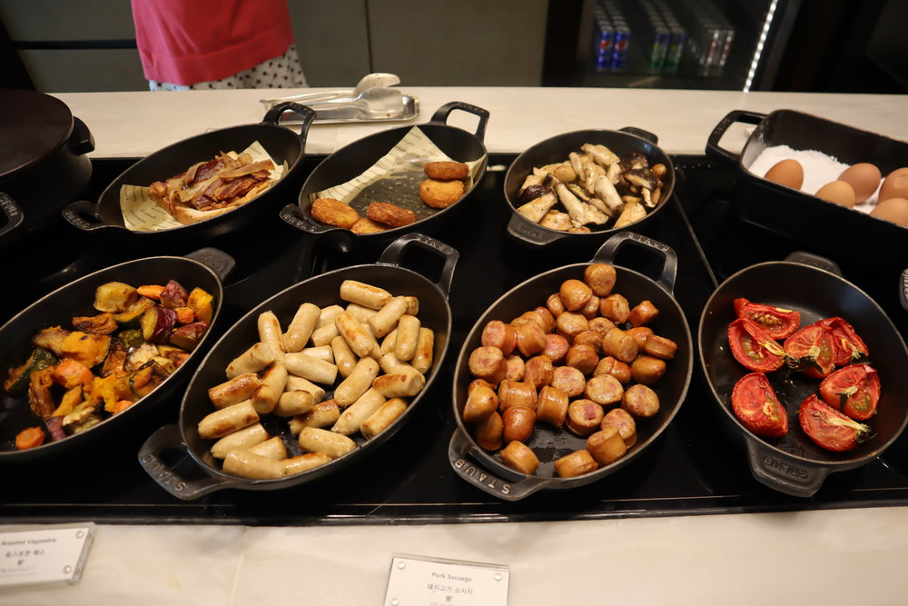 JW Marriott Dongdaemun Square Seoul – Executive Lounge breakfast spread