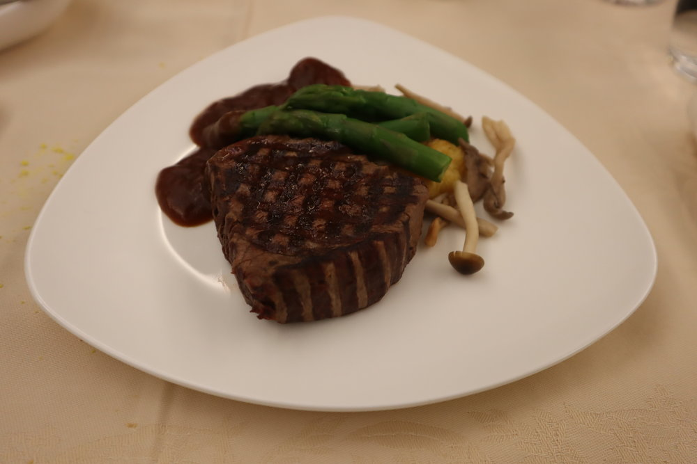 Asiana Airlines First Class – Grilled beef tenderloin with red wine sauce