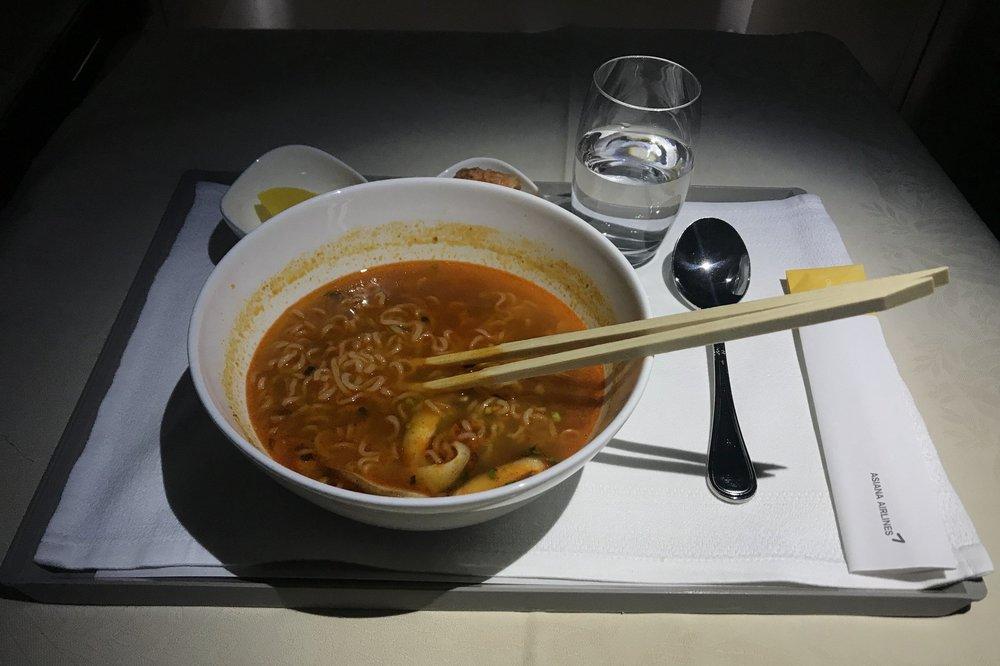 Asiana Airlines First Class – Ramen noodles