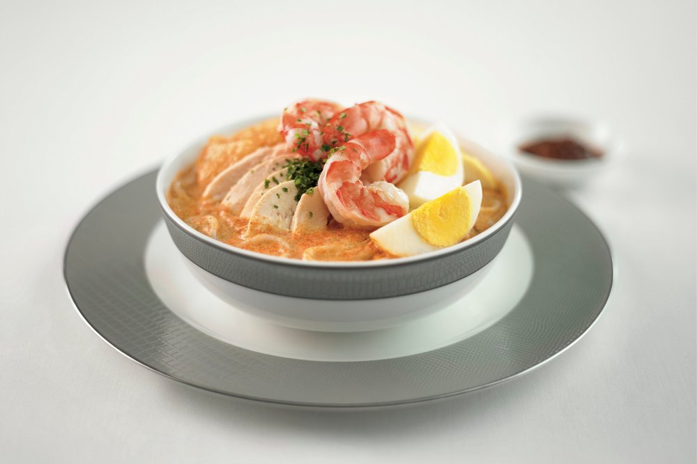 Prawn & chicken laksa, available on flights departing from Singapore and select outstations
