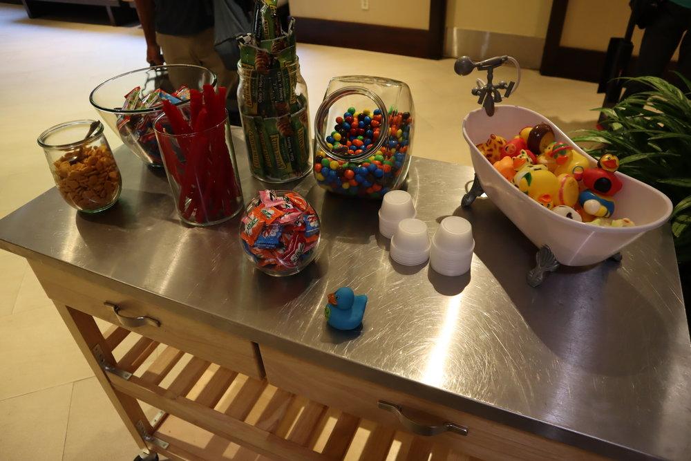 Marriott Portland Downtown Waterfront – Lobby snacks
