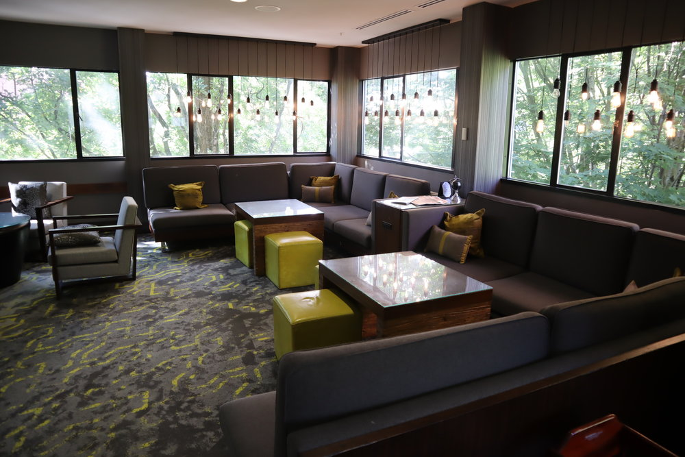 Marriott Portland Downtown Waterfront – M Club seating
