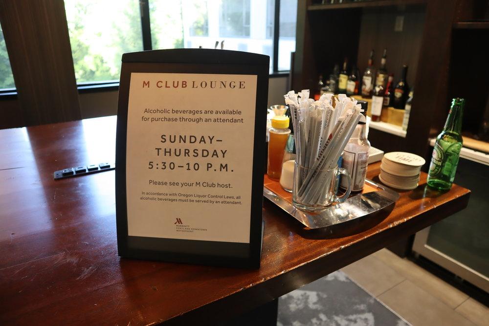 Marriott Portland Downtown Waterfront – M Club bar