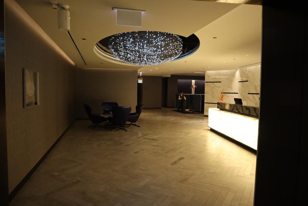 United Polaris Lounge Chicago – Foyer