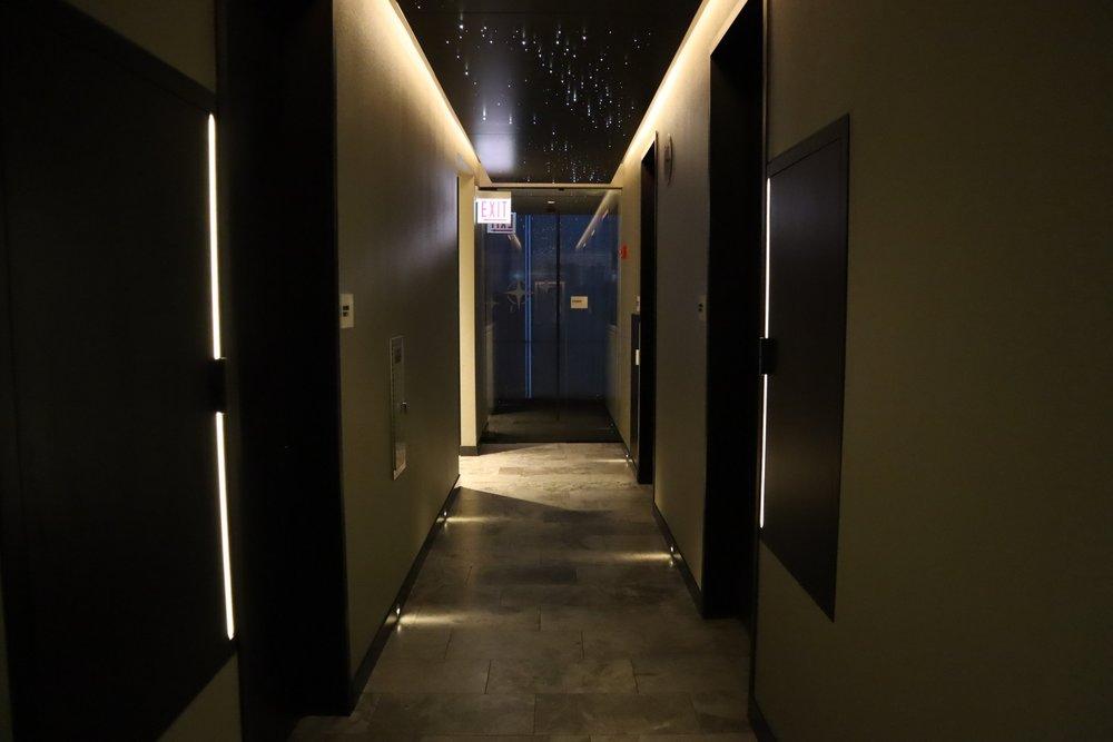 United Polaris Lounge Chicago – Shower suites