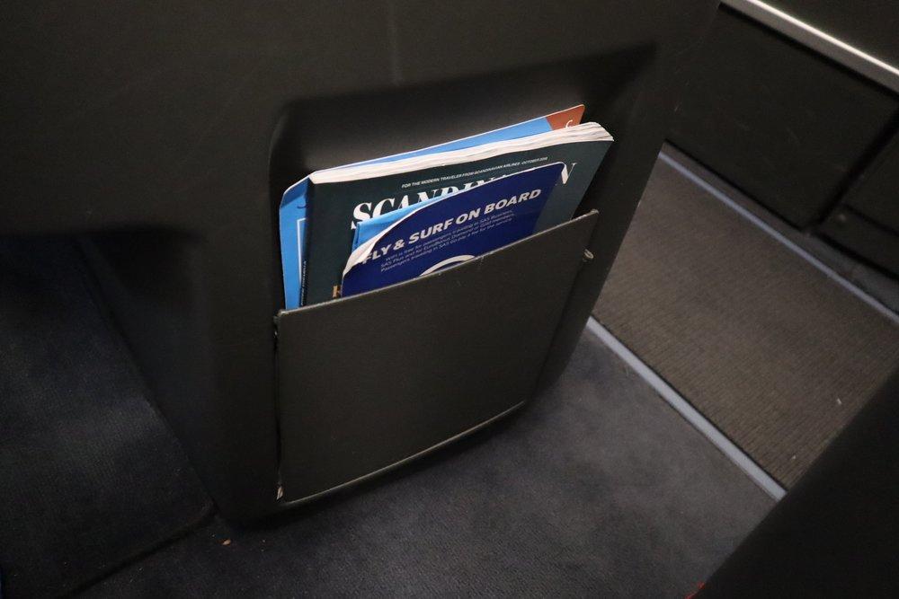 SAS business class – Larger literature pocket