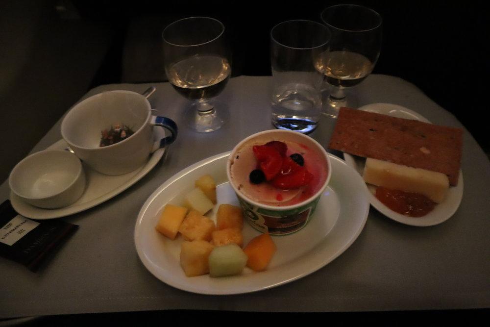 SAS business class – Dessert & cheese course