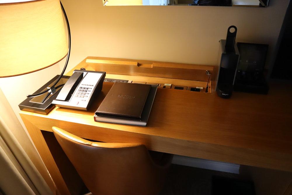 St. Pancras Renaissance Hotel London – Desk
