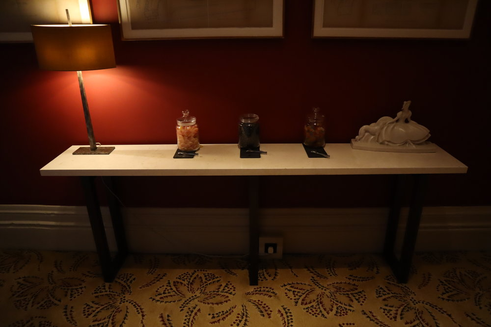 St. Pancras Renaissance Hotel London – Chambers Club grab-and-go sweets