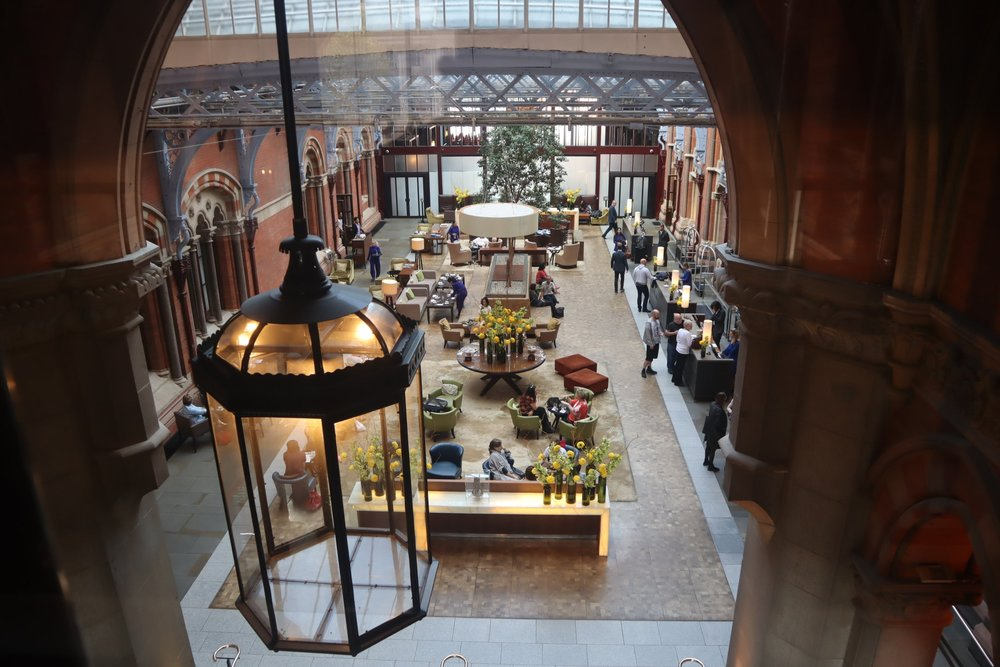 St. Pancras Renaissance Hotel London – Catwalk overlooking lobby