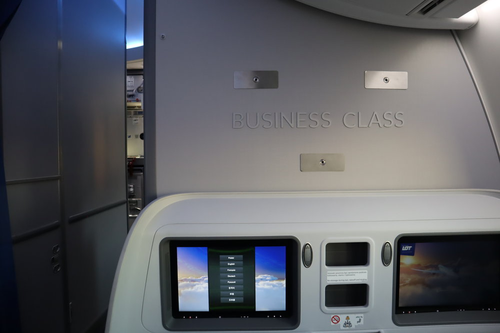 LOT Polish Airlines business class – Sign