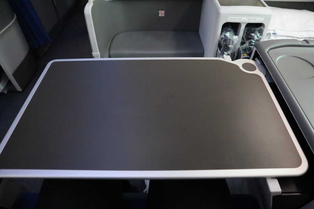 LOT Polish Airlines business class – Tray table
