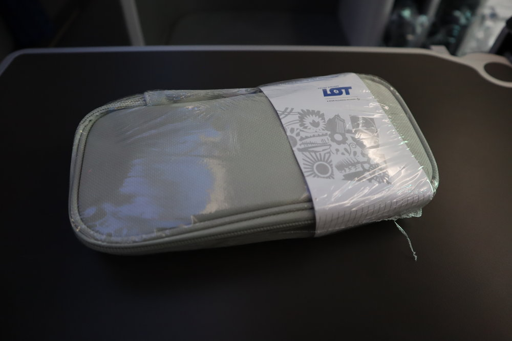 LOT Polish Airlines business class – Amenity kit