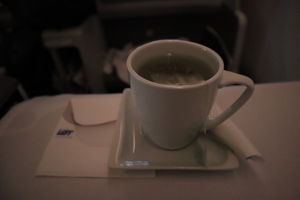 LOT Polish Airlines business class – Black tea