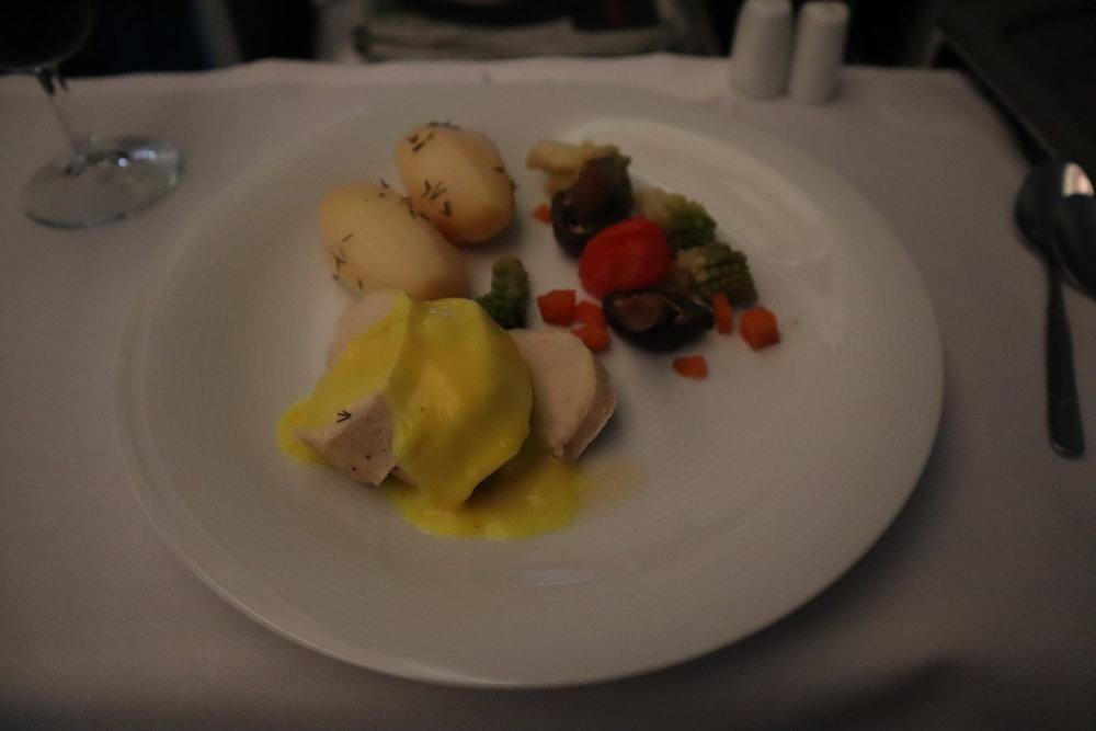 LOT Polish Airlines business class – Roast turkey with potatoes