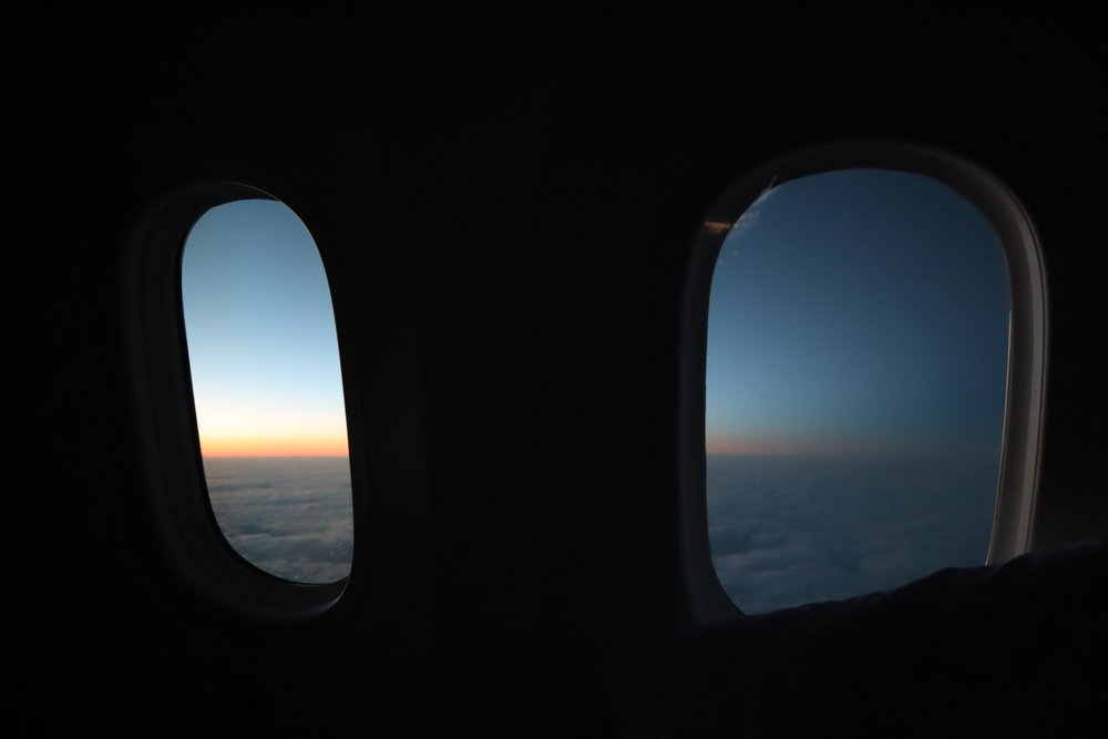 LOT Polish Airlines business class – Sunset views mid-flight