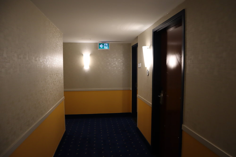 Sheraton Vancouver Wall Centre – Hallway