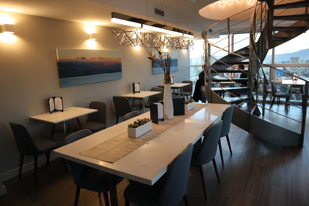 Sheraton Vancouver Wall Centre – Sheraton Club Lounge lower floor