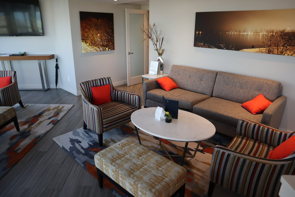 Sheraton Vancouver Wall Centre – Sheraton Club Lounge seating