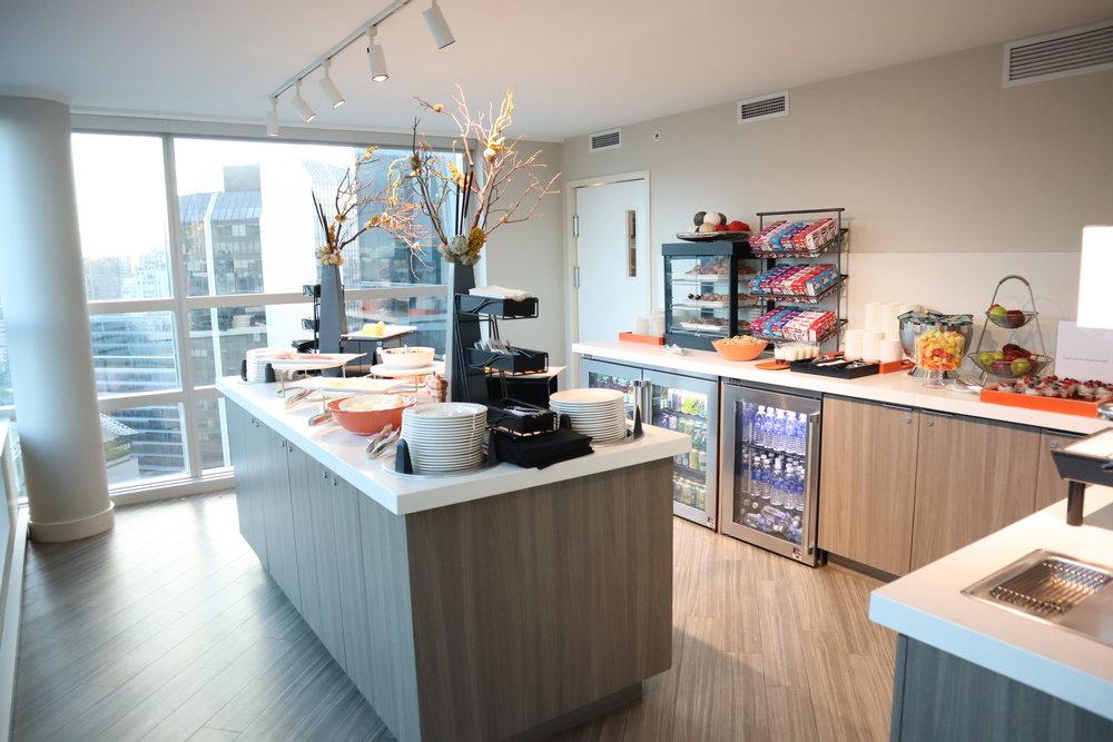 Sheraton Vancouver Wall Centre – Sheraton Club Lounge breakfast buffet